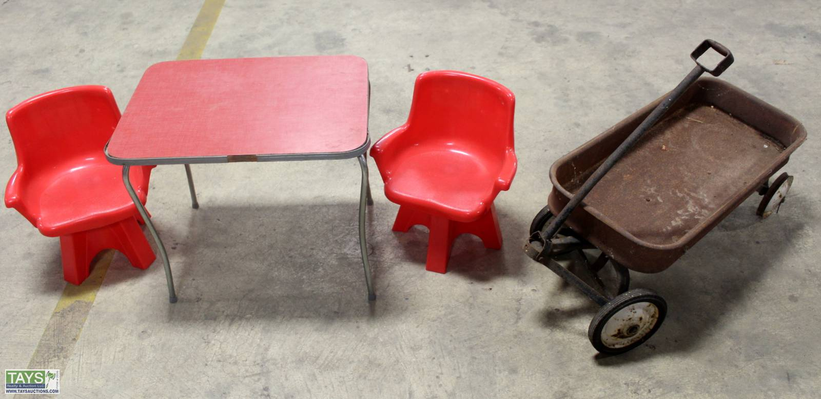 Tays Realty Auction Auction Online Absolute Auction Furniture Antiques Appliances Item Kid S Antique Metal Pull Wagon Kid S Table And Chairs